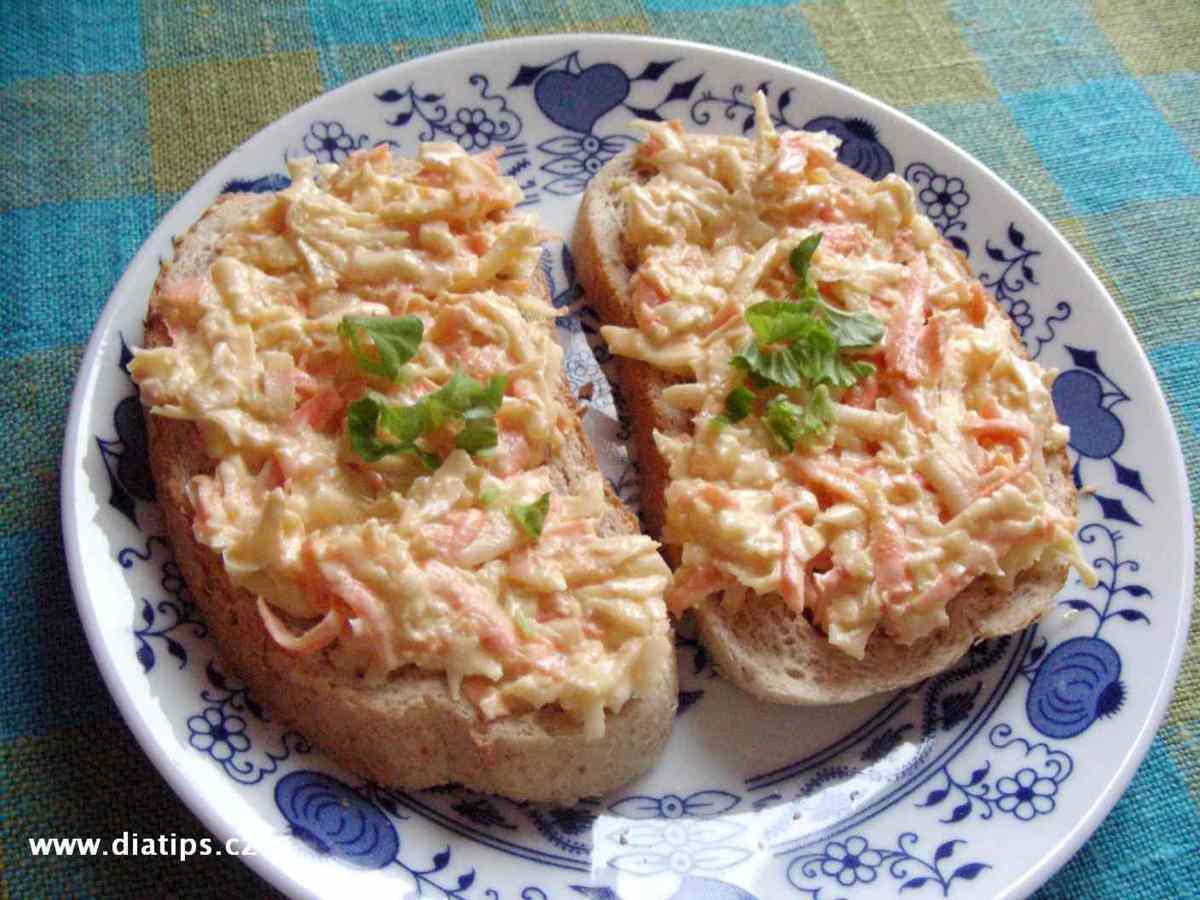 Celerová pomazánka na chlebíčcích