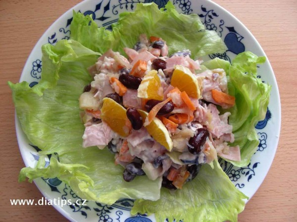 Fazolový salát s celerem a pomerančem