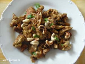 Kuřeci čína sypaná oříšky