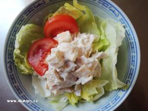 Sýrovy salát s jogurtem a šunkou