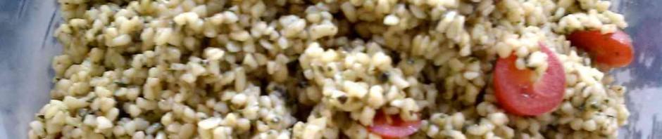bulgurový pokrm nasevírovaný v misce