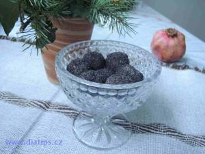 rychlé cukroví z máku a sušených švestek