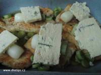 Plátek masa, cibulka, niva
