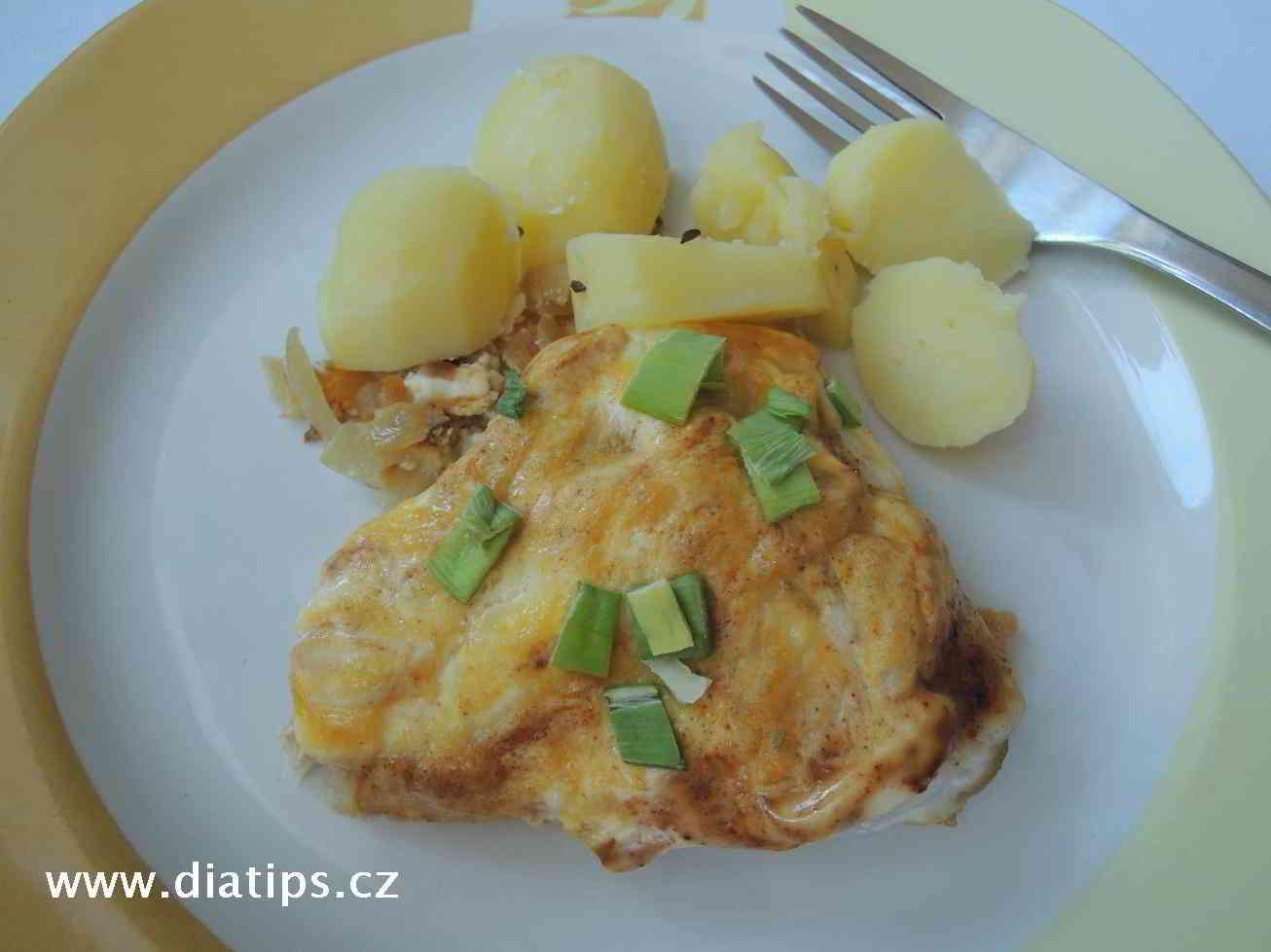 Ryba na paprice se smetanou a bramborem