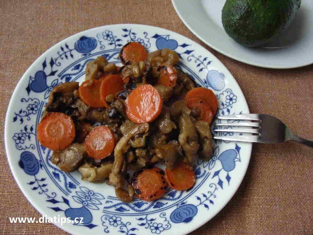 bezmasý pokrm z lilku a mrkve