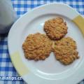 Mrkvové koláčky po upečení na talířku