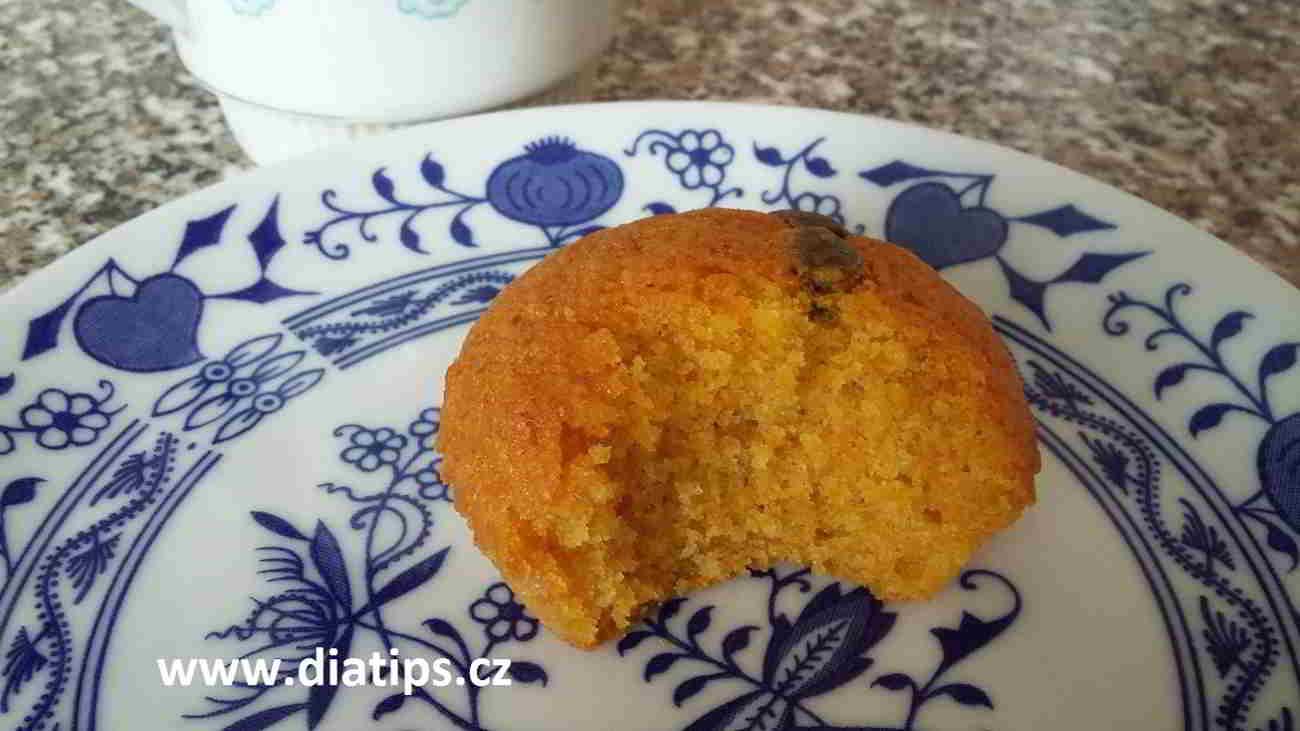 Mrkvový muffin nakousnutý