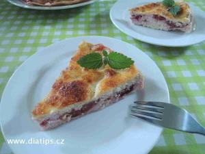 Tvarohový koláč bez lepku na talířcích