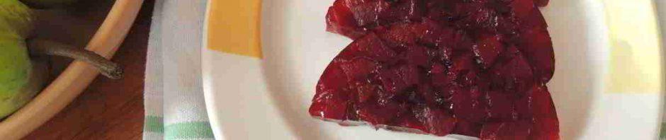 Aspik z červené řepy na talíři 3 plátky