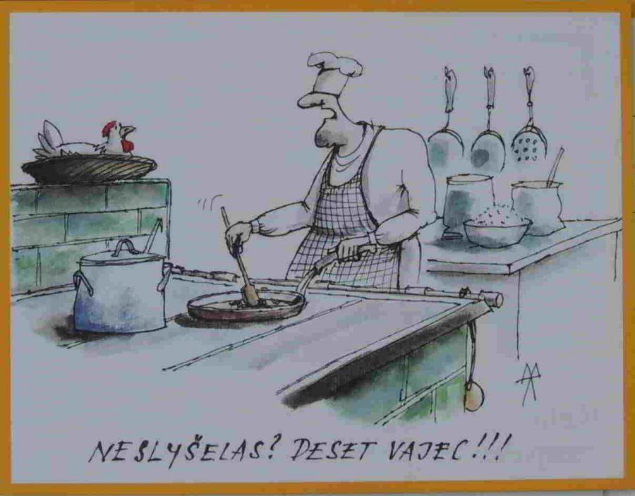 kuchař vaří a křičí na slepici že potřebuje 10 vajec