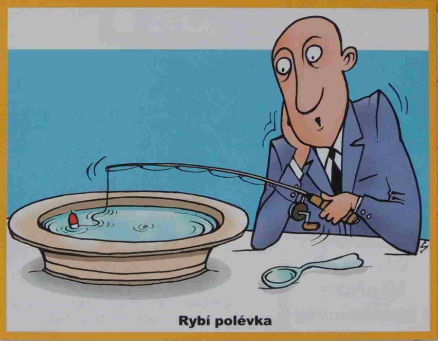 host chytá rybu v talíři prutem pro rybáře