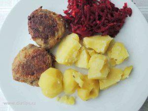 Kruti karbanatky s nivou na talíři s bramborami