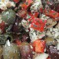 detail salátu z oliv